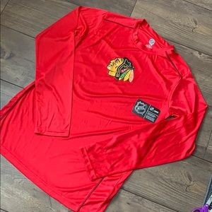 Nwt men's medium Chicago blackhawks long sleeve